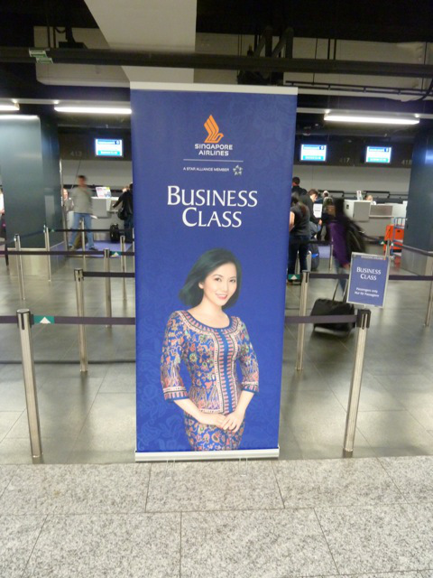 singapore airlines business class heathrow welcome gate check in