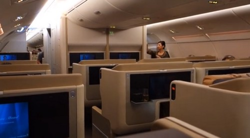 a380 upper deck business class cabin singapore airlines